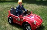 Как правильно выбрать детский электромобиль?