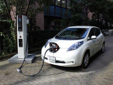 Nissan начнет продажу быстродействующей зарядной станции