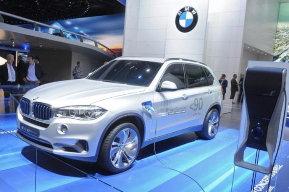 Электромобиль BMW X5 eDrive