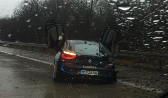 Первая авария с BMW i8