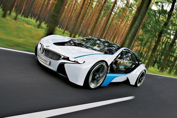 BMW i8 спорт кар с двигателем и электричеством