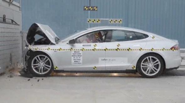 Tesla Model S самый безопасный элекромобиль в мире