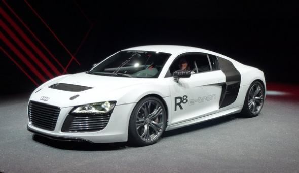 Электромобиль Audi R8 e-tron