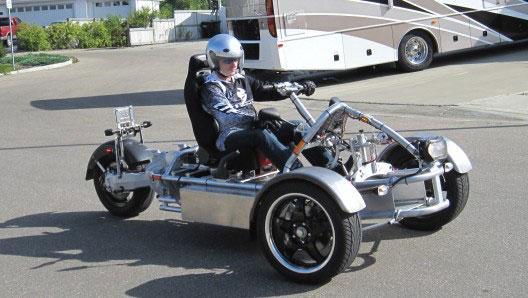 Электромобиль Lithium Hawk: три колеса и скорость до 200 км/ч