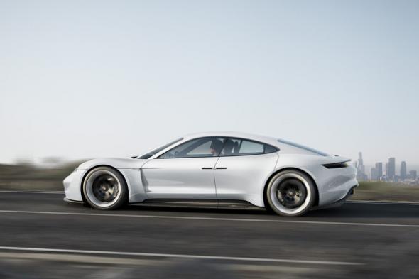 Электромобиль Mission E Concept от Porsche
