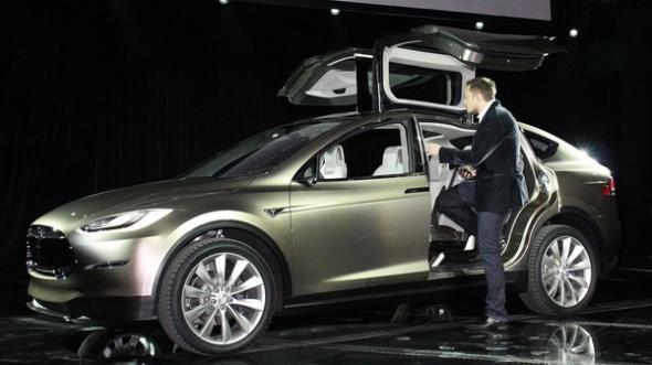 Электромобиль Tesla Model S и Model X