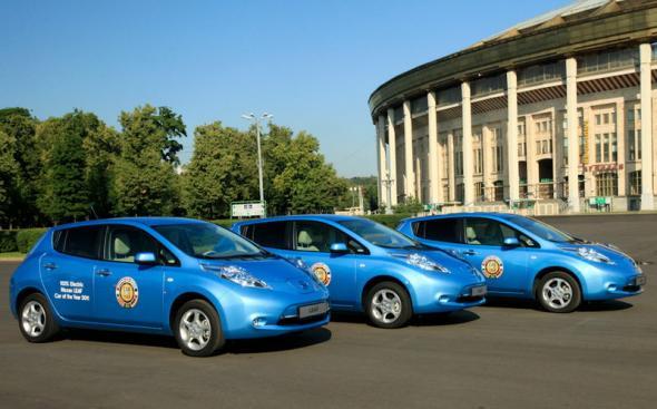 Электромобиль Nissan Leaf в Москве