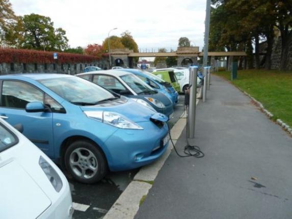 Норвегия влюбилась в электромобили