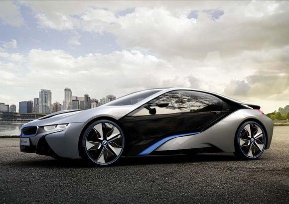 """BMW активно захватывает пространство """"зелёных"""" автомобилей"""