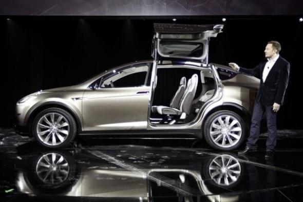 Новинки электромобиле Tesla Model X