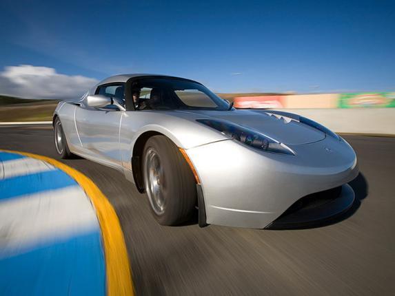 Электромобиль Tesla станет доступнее