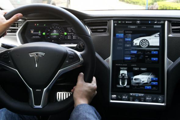 Электромобиль Tesla Model E