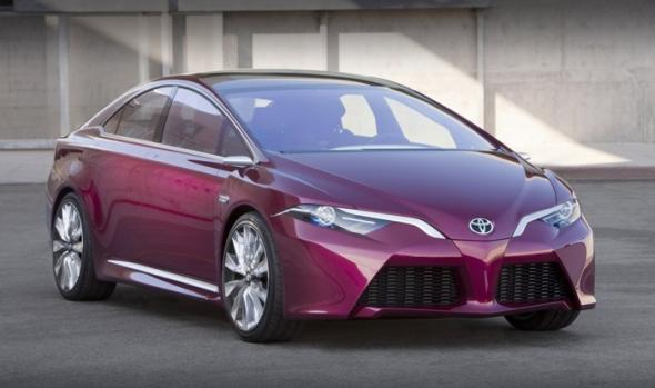 Гибрид Toyota Prius 2015