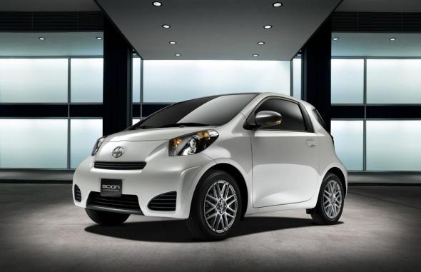 Электромобиль Toyota Scion iQ появится в 2012 году