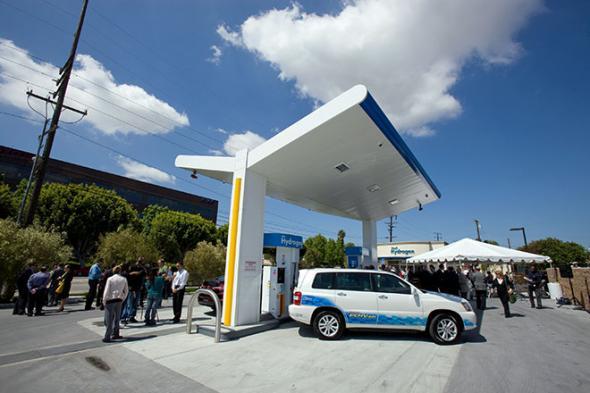 Автомобиль на водороде поступит в продажу в 2015 году