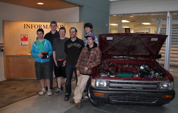 Школьники сделали сами электромобиль