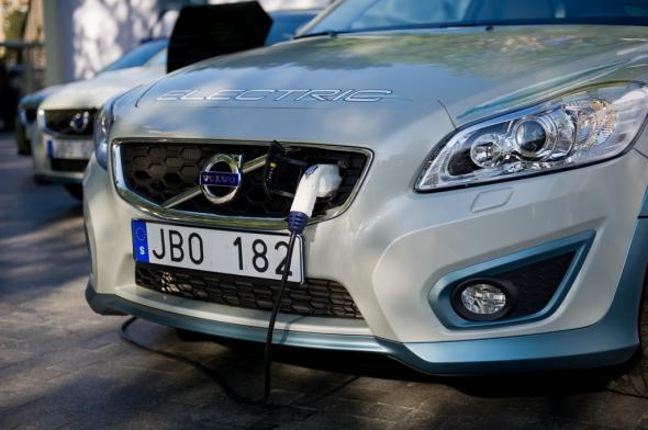 Volvo электрокар без тяжелого аккумулятора