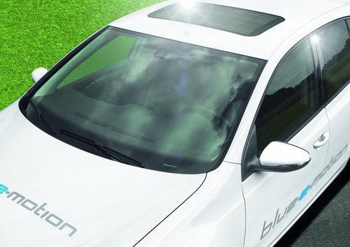 Volkswagen-Golf blue-e-motion 13