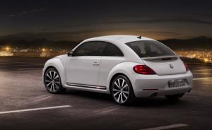 Volkswagen-Beetle-2012-2-300x184