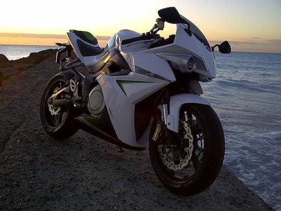 1321249013 energica-sportbike