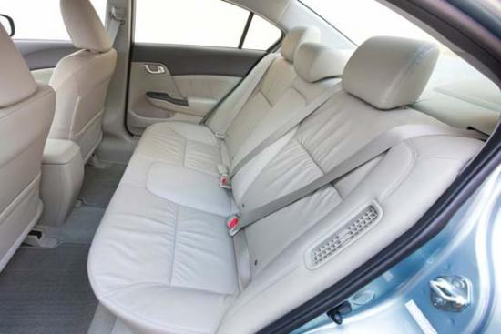 2012-Honda-Civic-Hybrid-comfortable-back-seat-interior-design