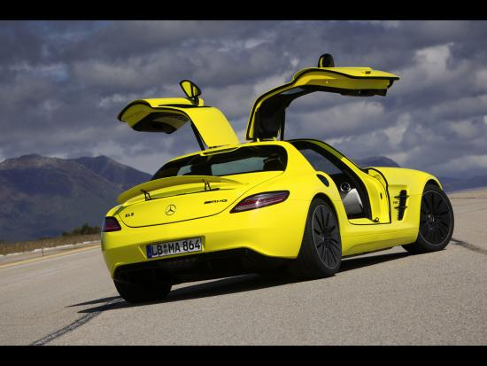 2010-Mercedes-Benz-SLS-AMG-E-Cell-Rear-Angle-Open-Doors-Tilt-1280x960