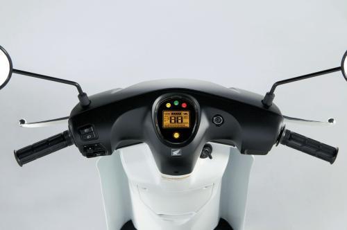 55387328-1308197983-Honda-EV-neo-10