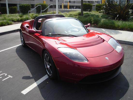 800px-TeslaRoadster-front