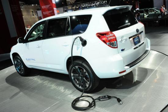Toyota-RAV4-Tesla-EV-5